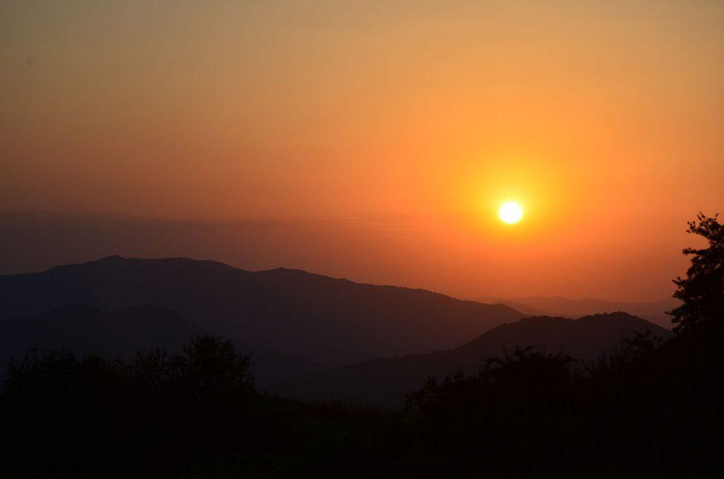 Закат в Гомбори