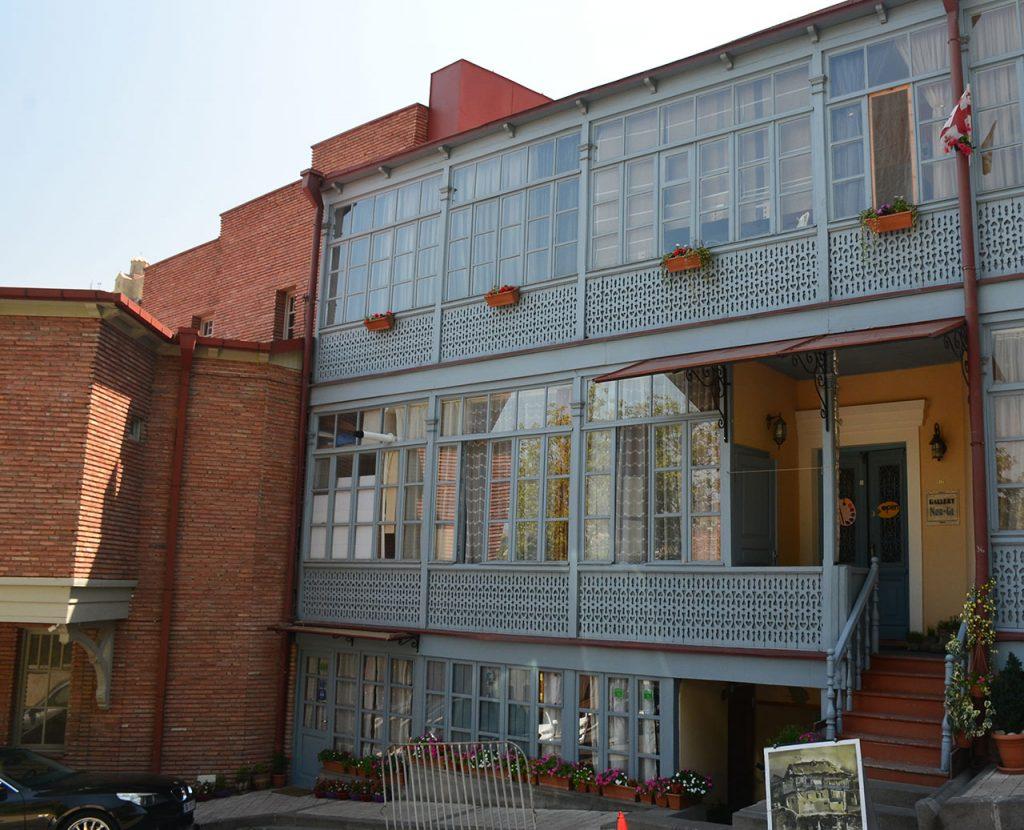 Деревянные балкончики Тбилиси