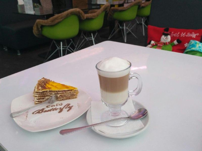 Завтрак в кафе Butterfly