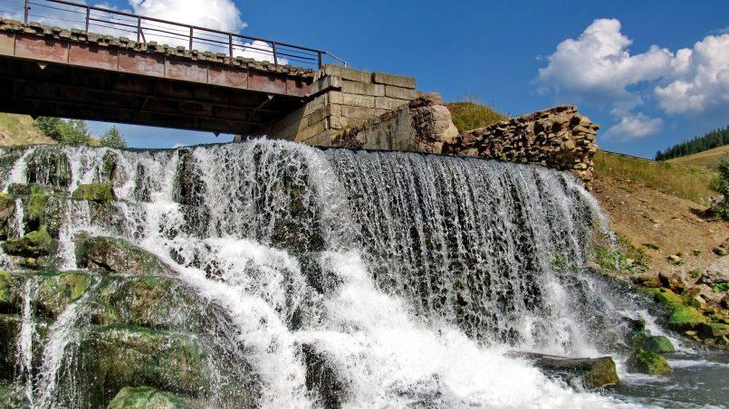 Водопад в Кусье-Александровском
